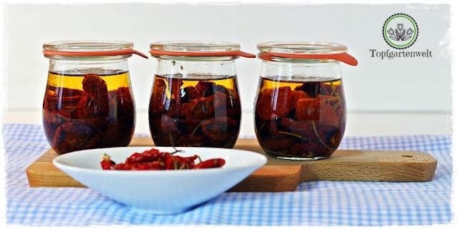 getrocknete Tomaten in Öl einlegen und haltbar machen - Foodblog Topfgartenwelt