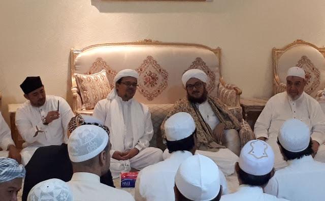Dakwah di Mekah, Tiap Hari Ratusan Tamu Kunjungi HRS