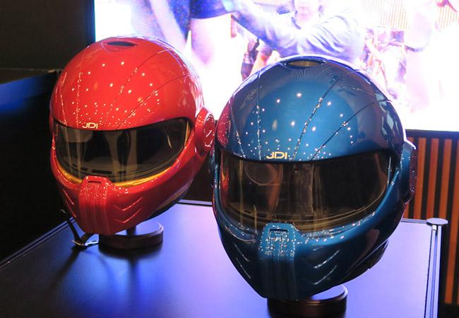 Tinuku.com JDI's XHD-01 Sparta smart helmet has head-up display