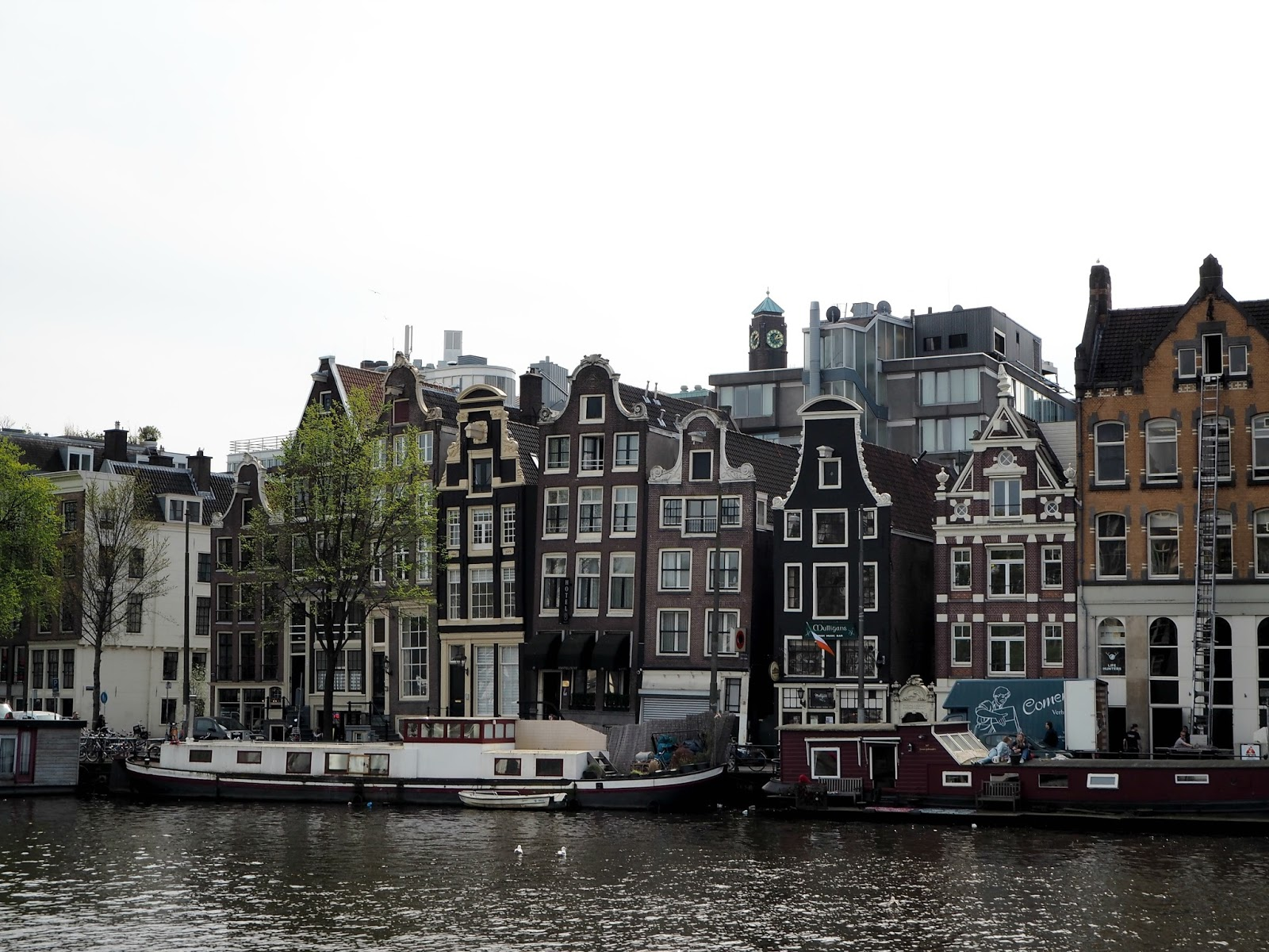 Amsterdam canal houses the musicians