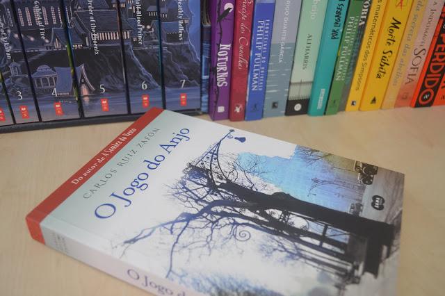Livro O jogo do Anjo com outros livros atrás
