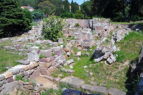 hyères var antiquité site archéologique olbia vestiges