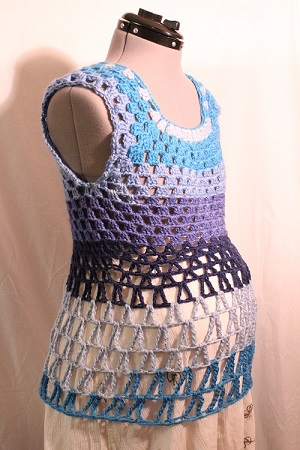 blouse, blue, Blueberry Cheesecake, Caron Cakes, crochet, easy, free pattern, giveaway, granny square, Granny-Spiration Challenge 2017, linkup, shirt, tank top, top, tutorial, Yarn