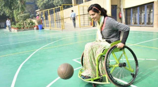 कश्मीर की पहली महिला व्हीलचेयर बास्केटबॉल प्लेयर हैं 24 साल की इंशाह बशीर - newsonfloor.com