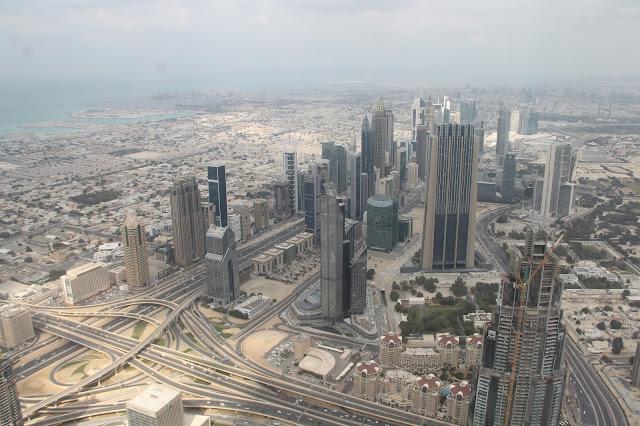 näkymä Burj Khalifasta / Dubai lasten kanssa