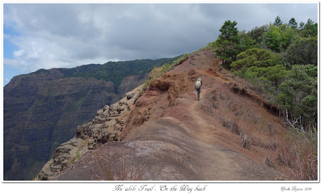 Nu'alolo Trail: On the Way back