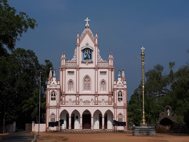 Eglise près de Mararikuram