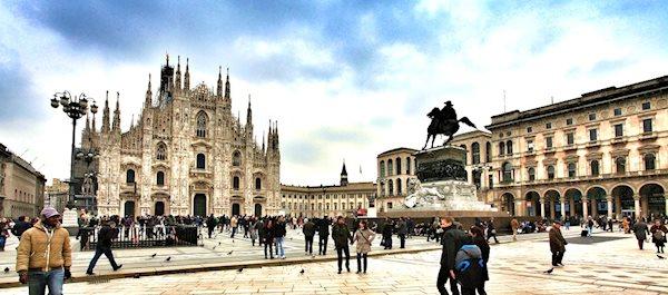 Pour votre voyage Milan, comparez et trouvez un hôtel au meilleur prix.  Le Comparateur d'hôtel regroupe tous les hotels Milan et vous présente une vue synthétique de l'ensemble des chambres d'hotels disponibles. Pensez à utiliser les filtres disponibles pour la recherche de votre hébergement séjour Milan sur Comparateur d'hôtel, cela vous permettra de connaitre instantanément la catégorie et les services de l'hôtel (internet, piscine, air conditionné, restaurant...)