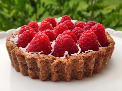 https://thejollybeetroot.wordpress.com/2014/01/02/raspberry-tart/