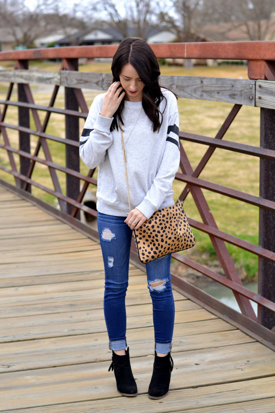 Leopard_Clutch_Ripped_Denim