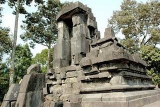 Umi Amanah Perkembangan Tradisi Hindu Budha Di Indonesia