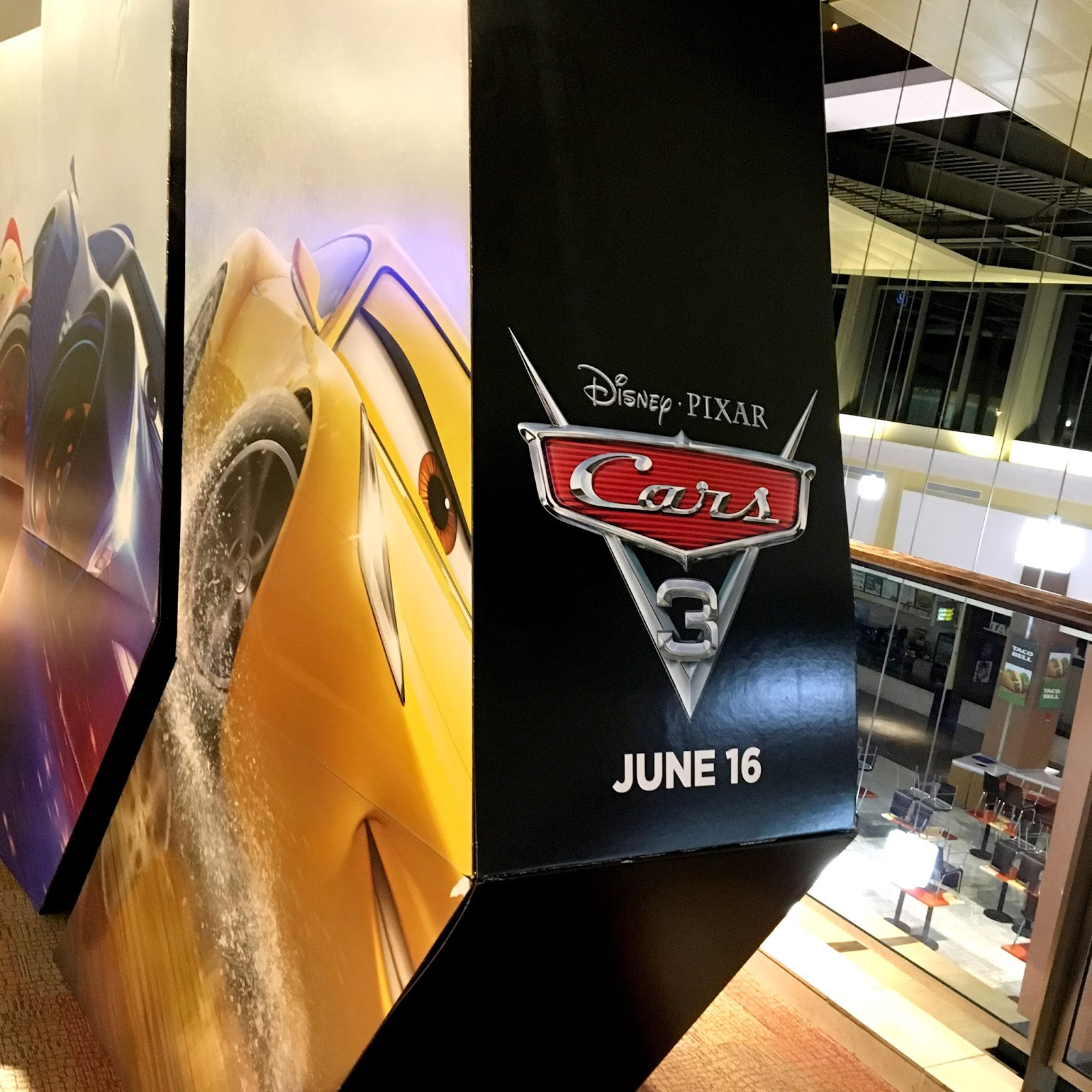 Disney·Pixar Cars 3 Movie Theater Display