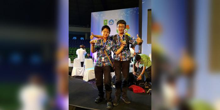 Dua Siswa SMP Kristen Kalam Kudus Go International