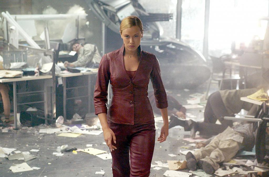 Ize Collectibles: Kristanna Loken as T-X: Terminator 3