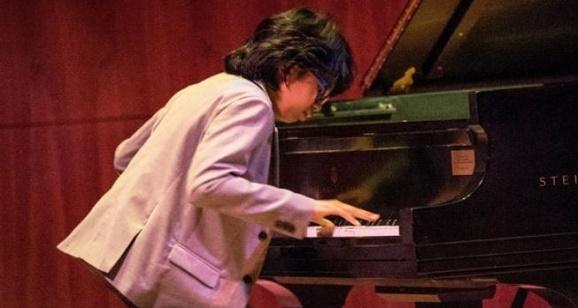 Pianis muda Indonesia Duet Joey Alexander di Panggung Grammy Awards 2016