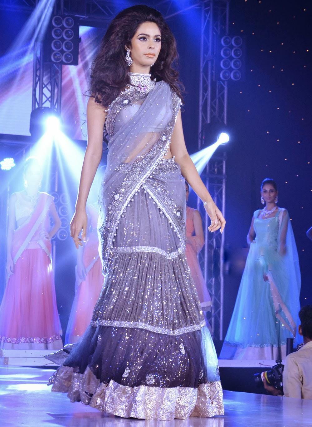 Mallika Sherawat sexy ramp walk, Mallika Sherawat photos