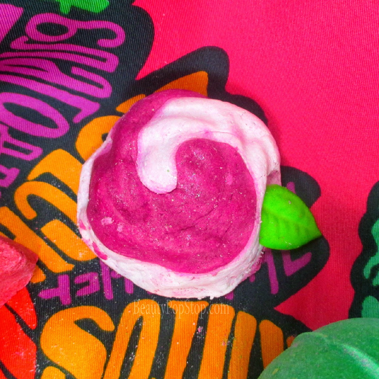 lush vegan rose bubble bar review