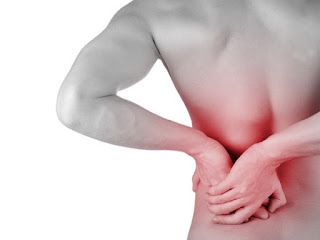 Sakit Pinggang di Sebelah Kiri Berbahaya? Ketahui Penyebabnya!