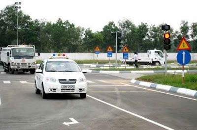 học lái xe ô tô khu vực Long Biên