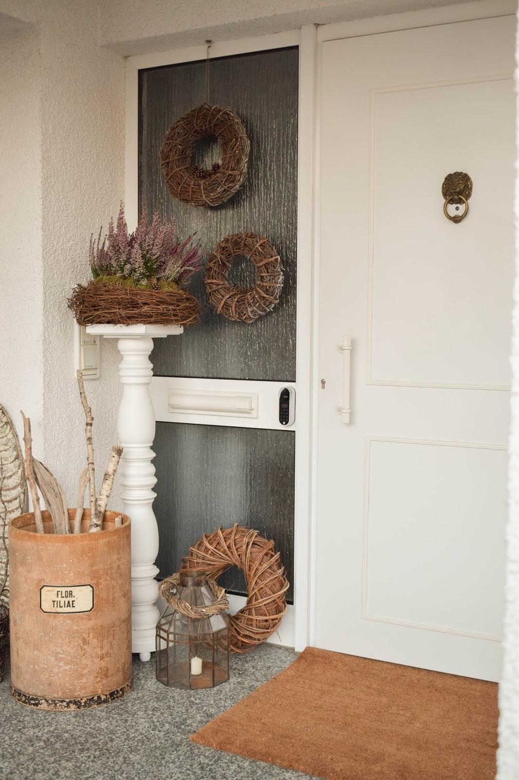 Dekoidee Natur Herbst Kränze Eingang Tür natürlich dekorieren Renovierung Tür, Eingang, Diele. Yale Entr Smartlock: smartes Türschloss für Haustüre. Schliesssystem und intelligente Schliessloesung. Smart Home Ideen