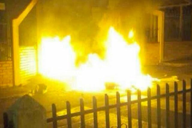 Gochos quemaron material electoral y máquinas en el Táchira