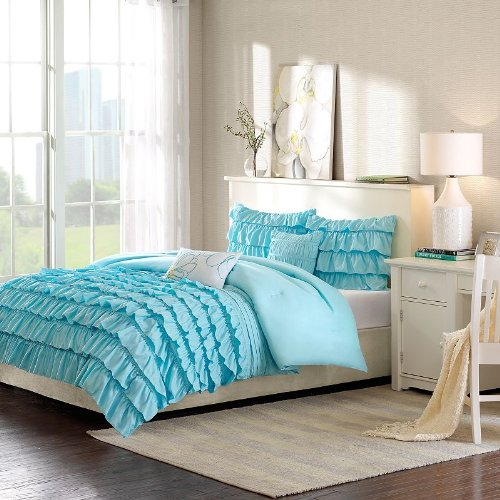 Tween Bedding for Girls' Rooms