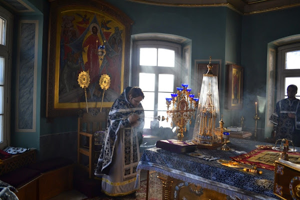 http://ocapodvorie.org/liturgy-of-presanctified-gifts-at-st-catherine-church/