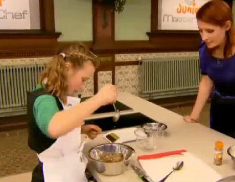 Sofie Dumont jureert de desserten in Junior Masterchef