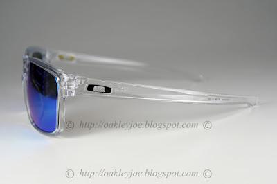 original oakley sunglasses uimt  lens pre coated with Oakley hydrophobic nano solution comes with complete original  Oakley package