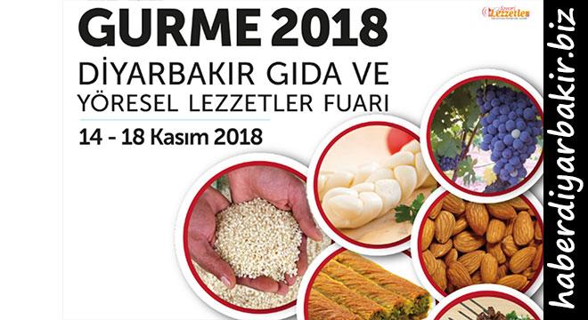 """TÜYAP Diyarbakır Fuar ve Kongre Merkezinde Yarın açılacak olan """"GURME 2018 Diyarbakır Gıda ve Yöresel Lezzetler Fuarı"""", 14 - 18 Kasım 2018 tarihleri arasında gerçekleştirilecek.    Zengin lezzet çeşitliliği sunan yöresel ürünlerin markalaşma ve coğrafi işaret tescil belgeli ürünlerin bilinirliklerini artırarak, yeni pazarlara açılma hamlelerinde önemli bir buluşma noktası olacağı belirtiliyor. Fuar, aynı zamanda sektördeki gelişme ve yeniliklerin topluca sergilendiği, yeni bayilik girişimleri ve ihracat imkânlarının yaratıldığı bir ihtisas ortamında katılımcı firmalar ile sektör profesyonellerini aynı çatı altında bir araya getirecek."""