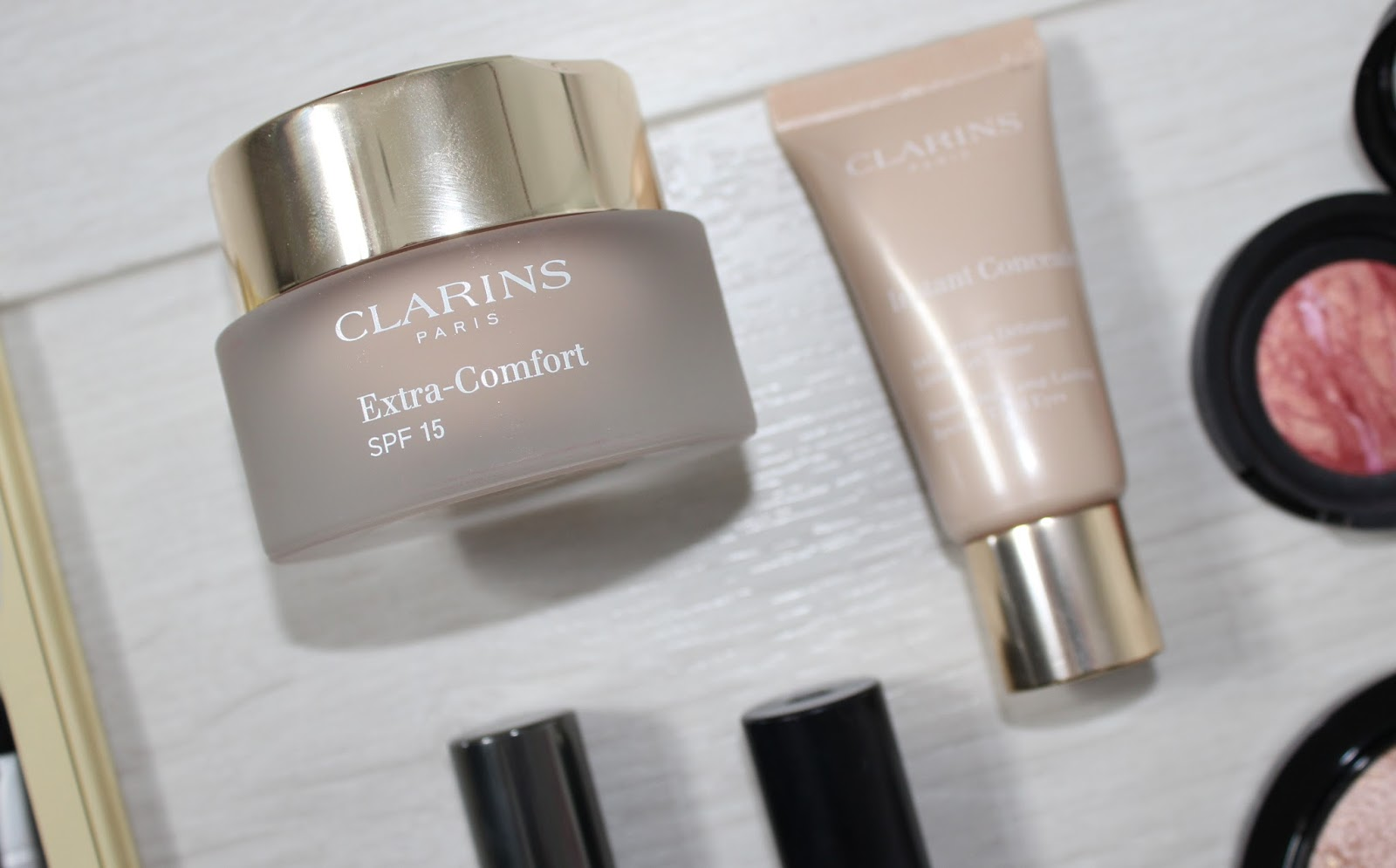 Sunsets and Raspberry Kisses 2 - Clarins Extra Comfort Foundation
