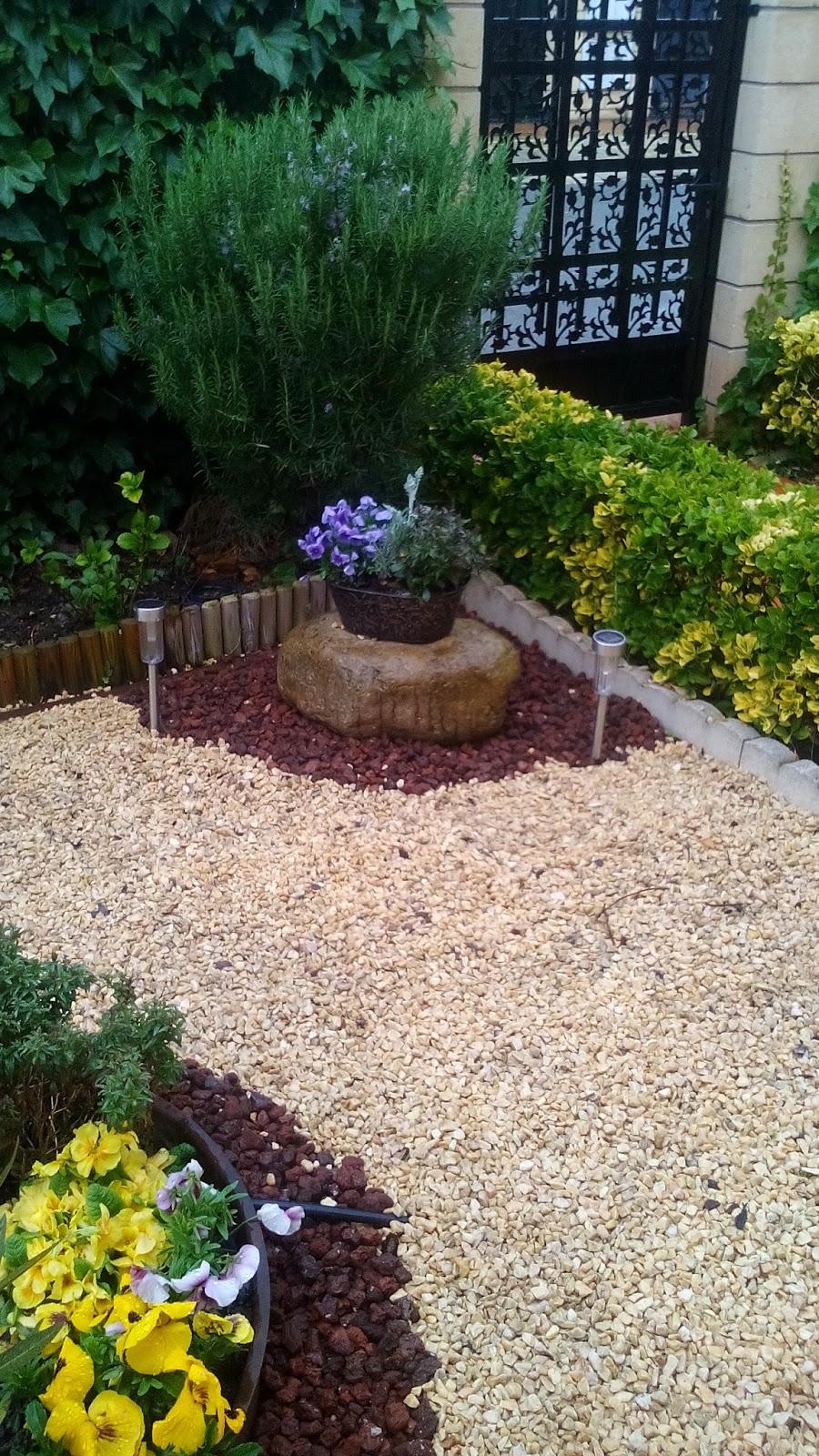 Creer y crear decoracion de jardin con grava for Decoracion jardin grava