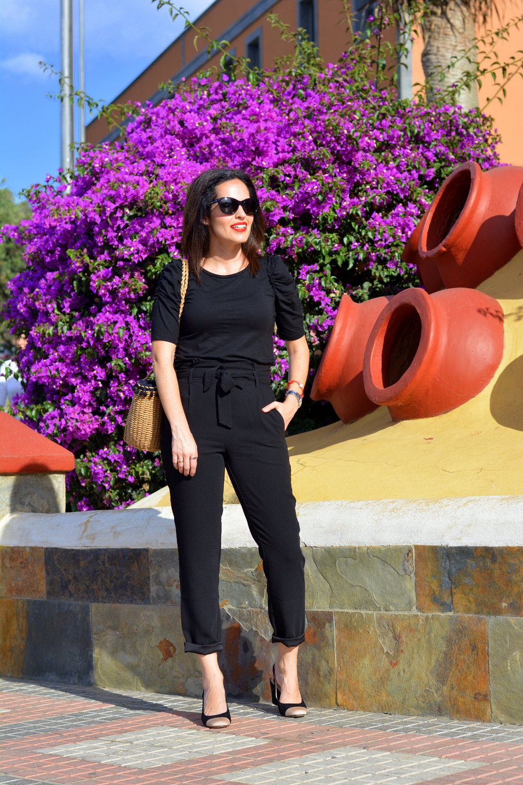 total-black-outfit-look-streetstyle