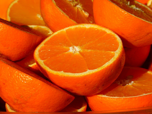 عدد السعرات الحرارية في البرتقال