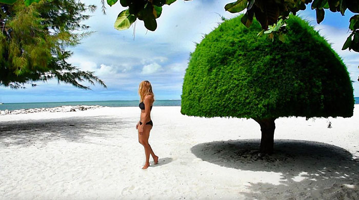 27-Year-Old Woman To Become First Female Ever To Visit Every Country On Earth - To relaxing on the beach in Kiribati