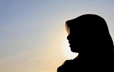Kedudukan Wanita di Depan Suaminya