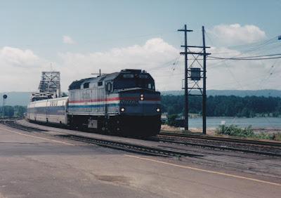 Amtrak F40PH #369 in Vancouver, Washington, in June 1998.