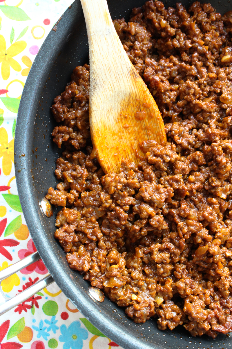 Homemade Sloppy Joes are easy to make, only require one skillet, and are on the table in 25-minutes. The whole family will love them! #groundbeef #dinnerrecipe