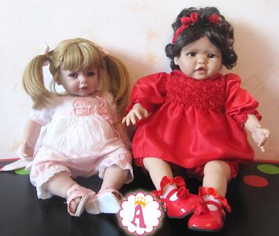 Коллекционная кукла Адора слева, справа кукла Скарлетт фирмы Paradise Galleries