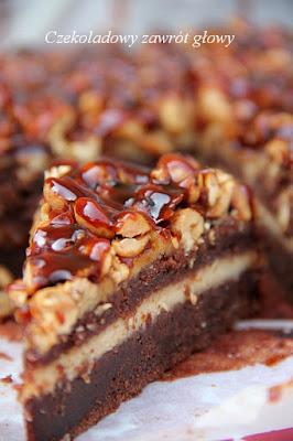 Brownie z masłem orzechowym i słonymi orzeszkami