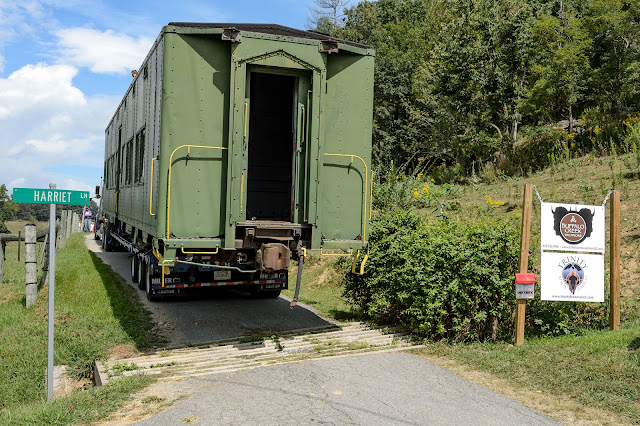 Buffalo Creek Vacations - WWII Pullman Troop Sleeper Car