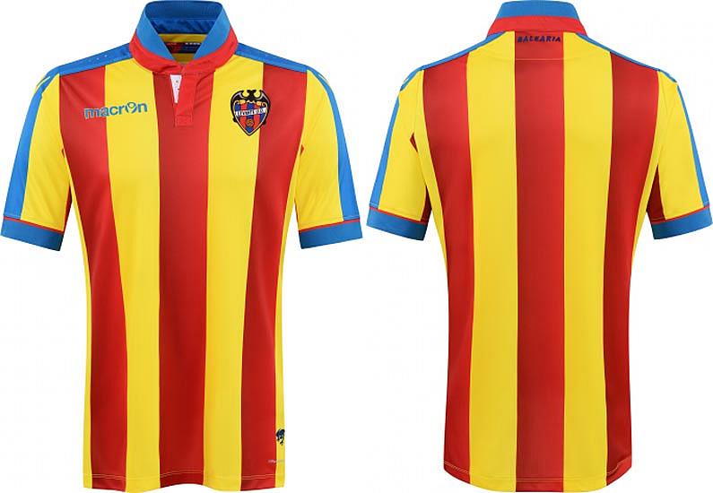 a5eabd3efa É listrado verticalmente em amarelo e vermelho com a cor azul presente na  gola