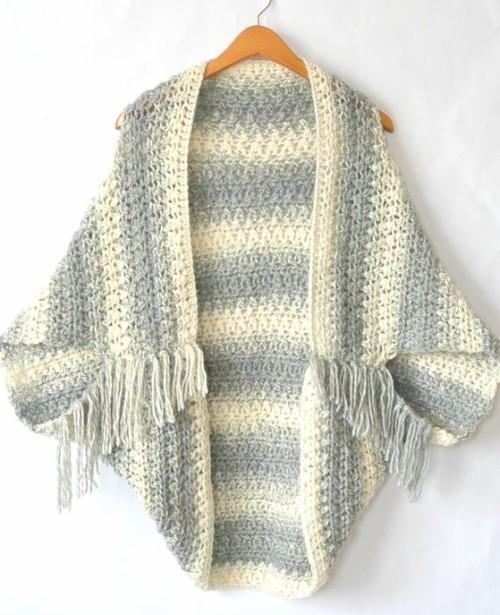 Light Frost Easy Blanket Sweater - Free Crochet Pattern & Tutorial