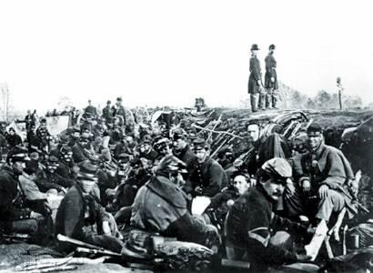 Soldados de la Unión en trincheras, Petersburg, Virginia, 1864.