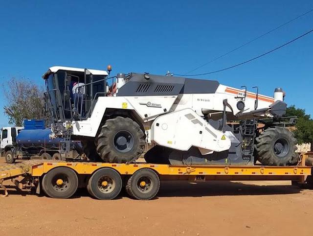 Maquinas e equipamentos  começam chegar para início das obras de recuperação da BA-160 - Rodovia Lapa/Ibotirama