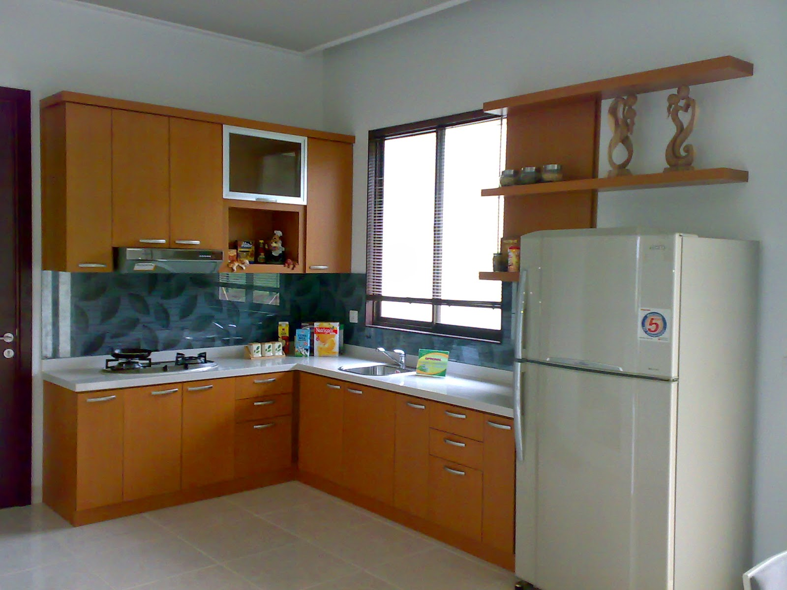 Dapur Minimalis Dengan Jendela