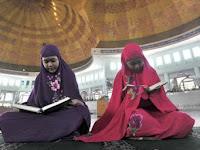 Inilah Yang Perlu di Ketahui 4 Hal yang wajib diperhatikan wanita sebelum salat tarawih di masjid