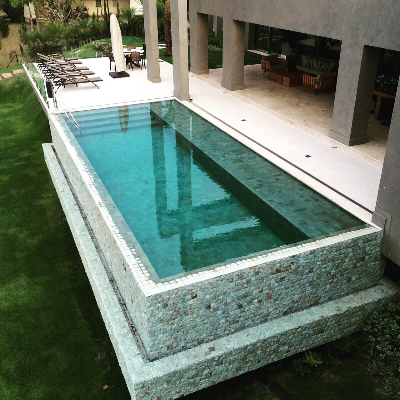 Fiber tudo para piscinas piscinas de alvenaria for Construir piscina concreto