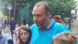 Πατέρας στη Δυτική Θεσσαλονίκη ανέφερε ότι «τα παιδιά το πολύ-πολύ να μην πάνε ένα χρόνο στο σχολείο» στηρίζοντας την απόφασή του να μην επ...