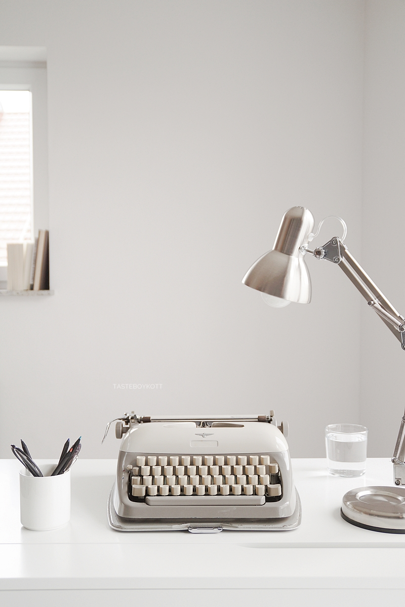 DIY Tipps: Schreibmaschine reparieren und sauber machen Tipps Tutorial Vintage Retro Look Dekoobjekt modern. Tasteboykott.